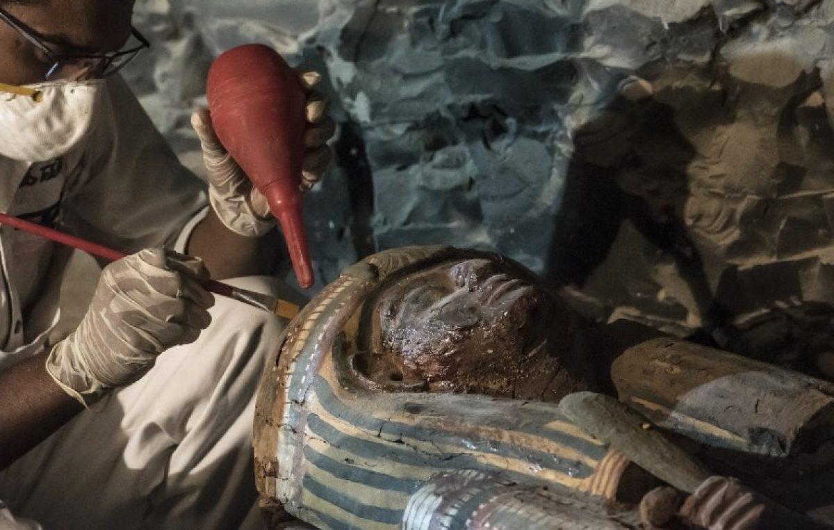 Descubren momias y la tumba de un importante orfebre en Egipto
