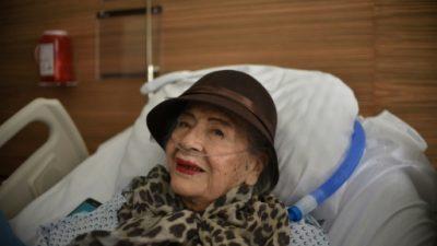 """""""Cámaras, ¡acción!"""", pide una actriz de 87 años que sobrevivió al sismo"""
