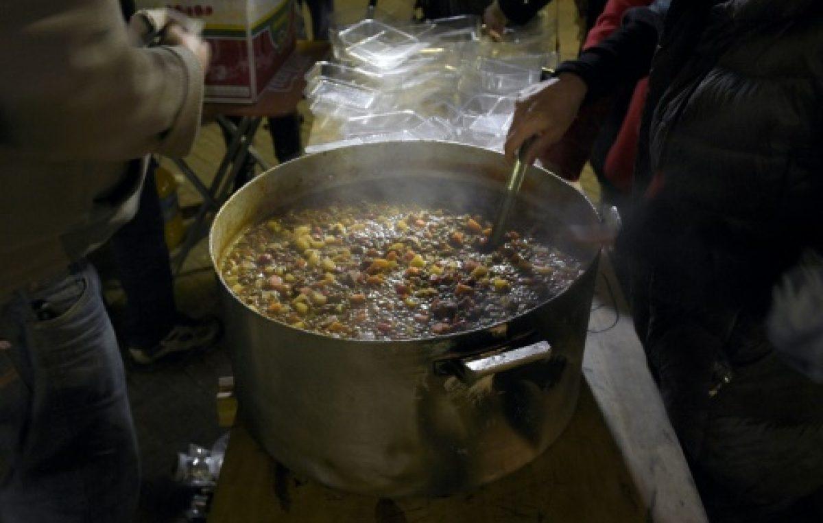 La pobreza en Argentina baja pero la indigencia crece