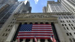 Wall Street sube en un mercado pendiente de la reforma fiscal
