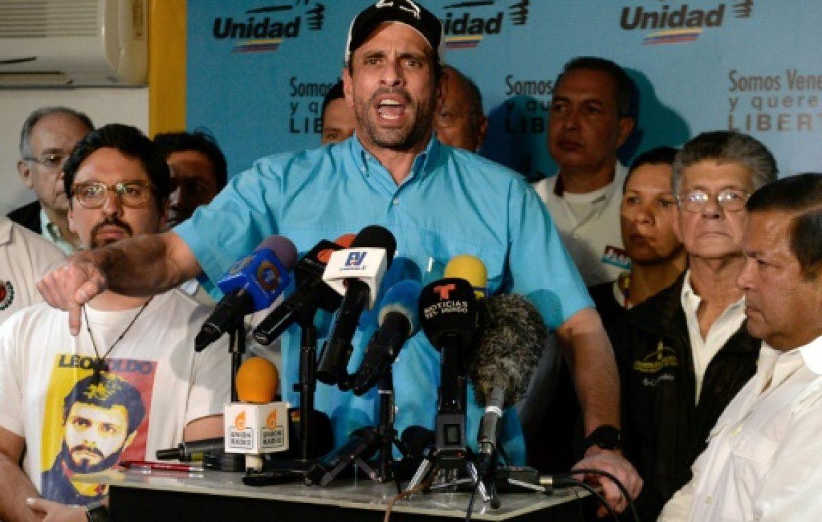 """La oposición venezolana pide que el gobierno retire """"obstáculos"""" para dialogar"""
