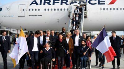 La delegación de París 2024 aterriza en Francia y celebra la conquista de los Juegos