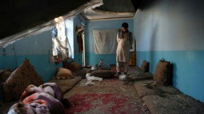 En Kabul, un bombardeo de EEUU destruyó por error casas de un barrio popular