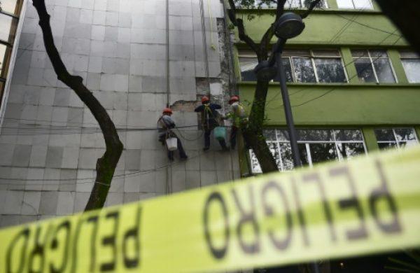 Tras el sismo en México, se revelan grietas de corrupción y desconfianza
